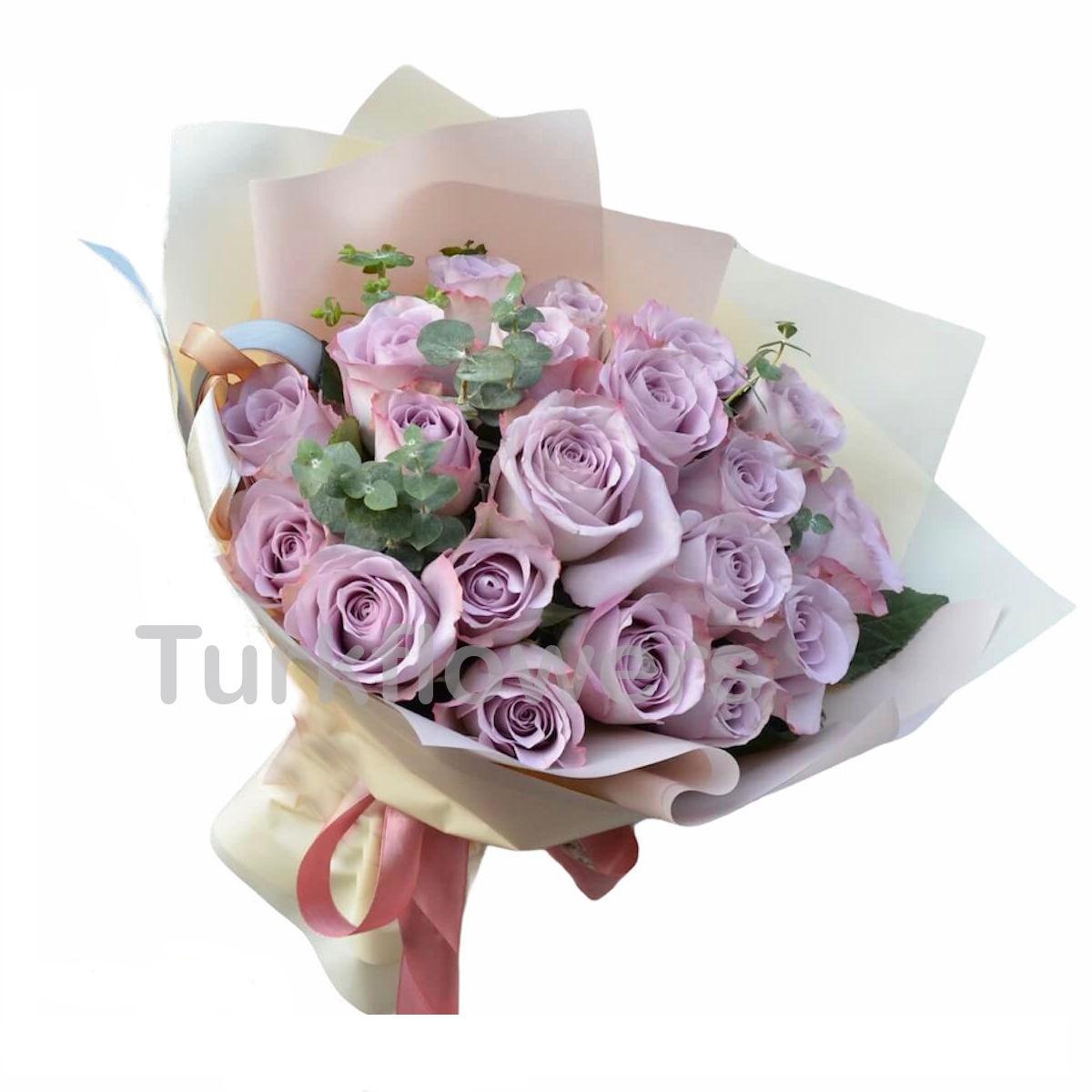 21 lavander roses