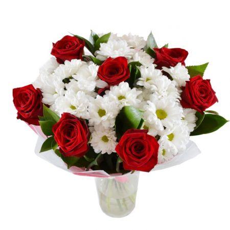Chrysanthemum daisy white and roses