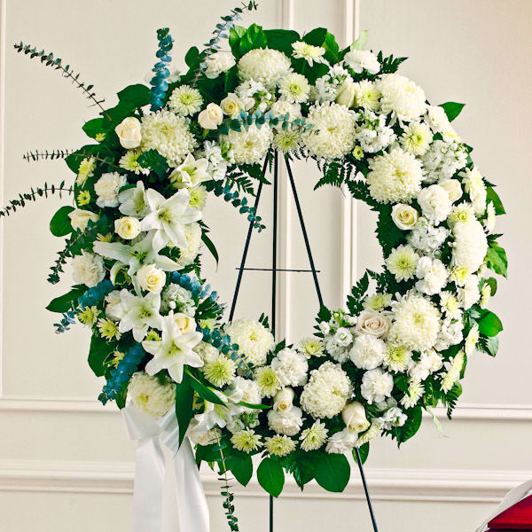 white-standing-wreath